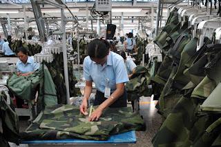 Proses Produksi Seragam Militer Sritex