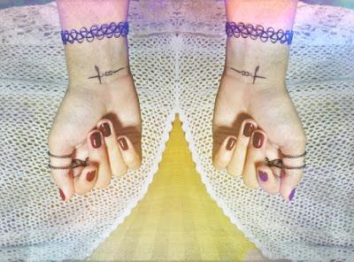 http://myombrelife.blogspot.com/2015/05/klasyka-be-beauty-power-of-colours-nails.html
