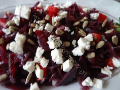 Sałatka z kapusty czerwonej i serem feta