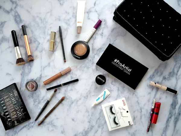 WHAT'S IN MY MAKEUP BAG? | THE FESTIVE EDITION
