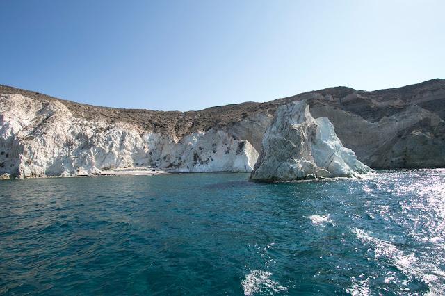 Crociera in catamarano a Santorini-Spiaggia bianca