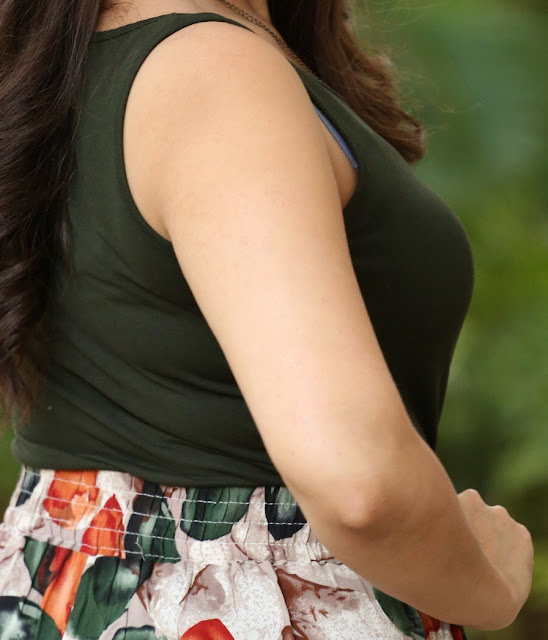 Manjusha Anchor big boobs side view hot sleeveless blouse xxx