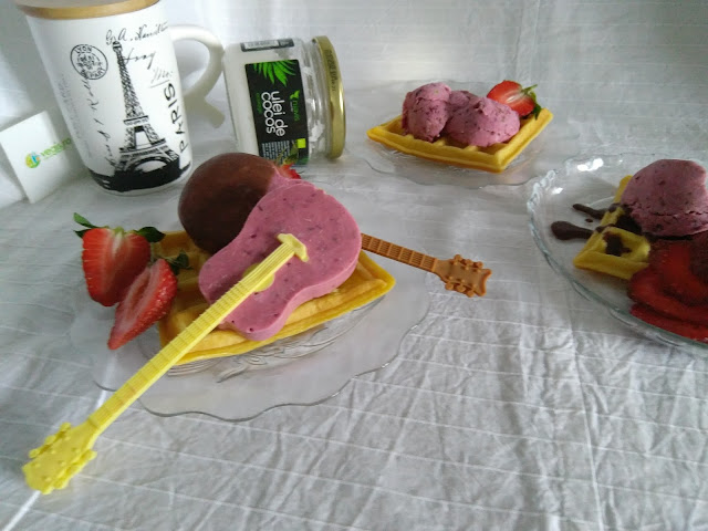 inghetata si Gofre cu ulei de cocos