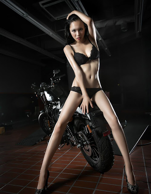 Hot girls on motorcycles