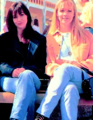 The 90s Fix: Brenda Walsh or Kelly Taylor?