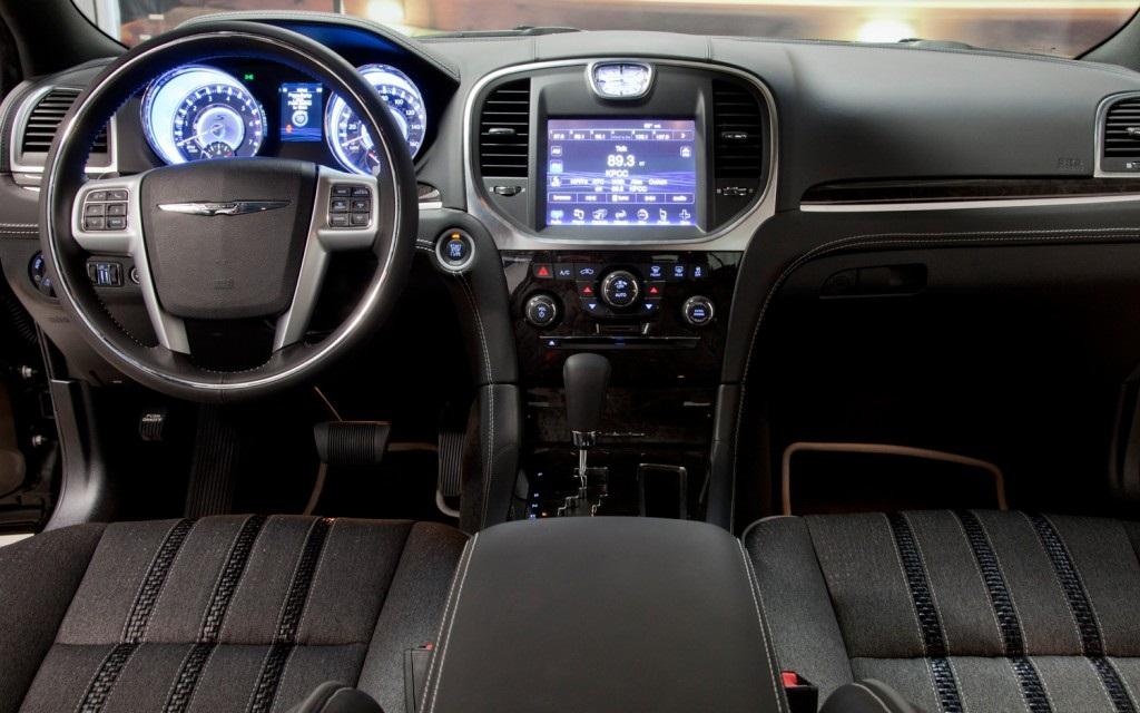 Chrysler 300 John Varvatos Edition