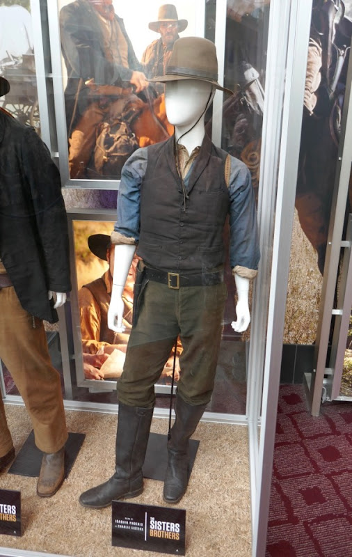 Joaquin Phoenix Sisters Brothers Charlie costume