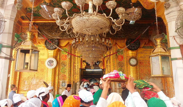 Ajmer: Dargah and Beyond