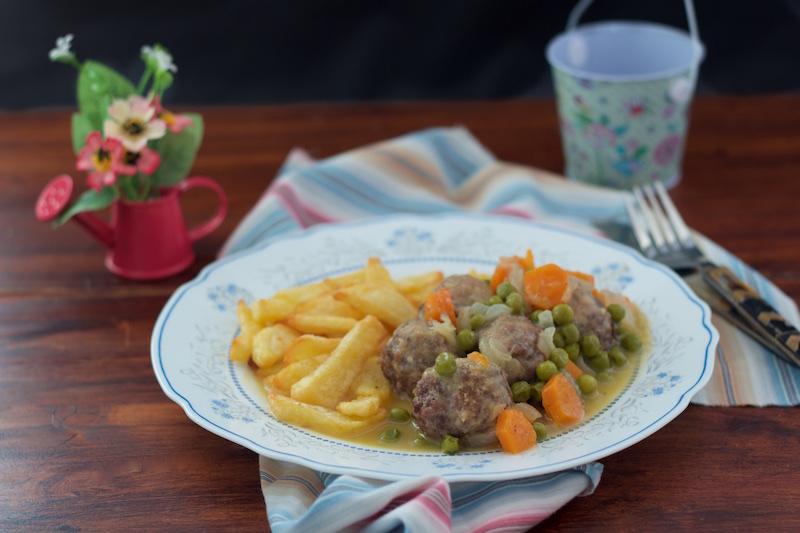 Albóndigas en salsa, receta asaltablogs