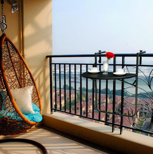 Iga Berry Balcony Interior Design