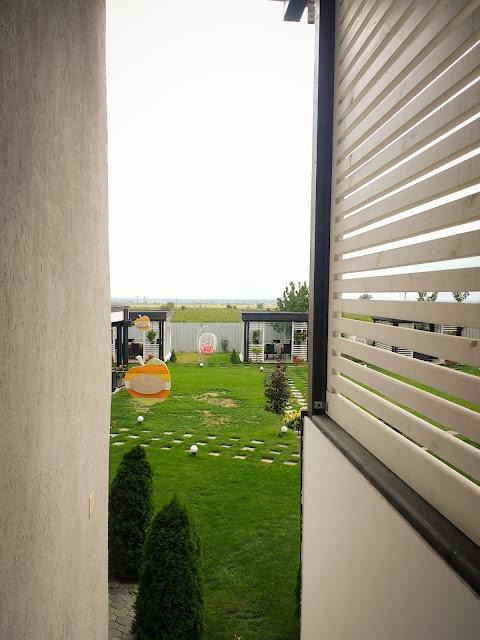 Mondrian Events & Garden, Popesti