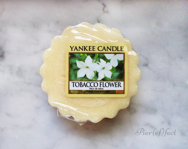 yankee candle tobacco flowers review