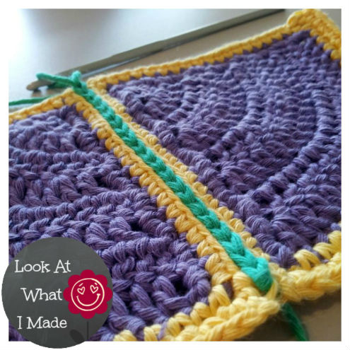 Joining crochet squares, a tutorial (photo by 'Look what I made') | Happy in Red