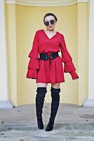 http://www.karyn.pl/2017/11/jedna-sukienka-dwie-stylizacje.html