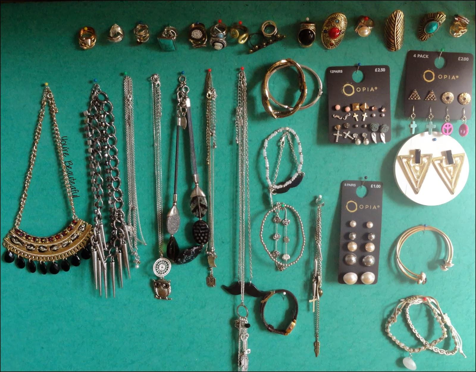 you 39 re beauteaful diy porte bijoux. Black Bedroom Furniture Sets. Home Design Ideas