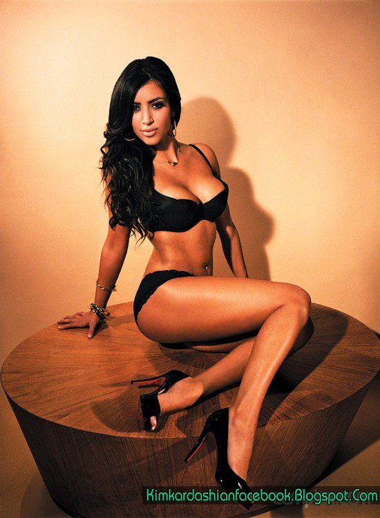 Kim Kardashian Sexy Movie 13