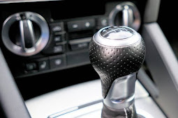 Menulis di Banyak Blog Seperti mengemudi Mobil