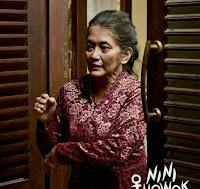 Jajang C. Noer Pemeran Eyang Marni di film Nini Thowok