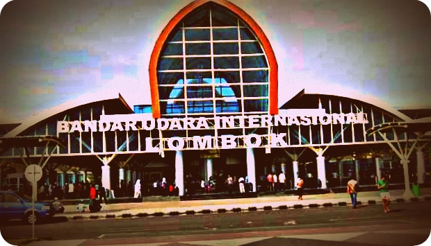 Panitia Musabaqoh Tilawatil Quran Nasional (MTQN) XXVI Antasi Kepadatan Penumpang di Bandara Lombok