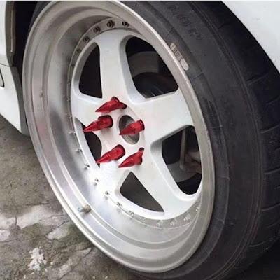 Car Wheel Hub Tire Lugs