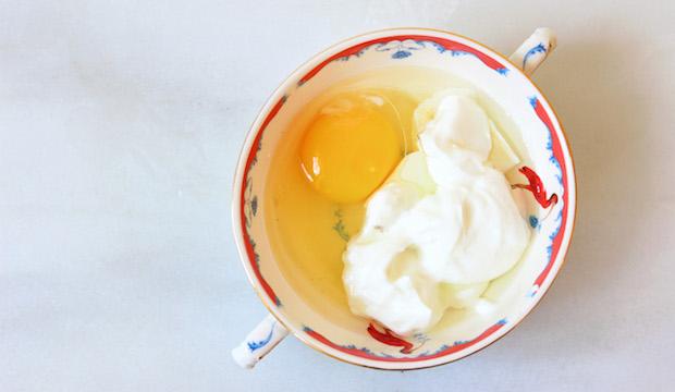Trị mụn mủ cấp tốc sau một đêm với trứng gà