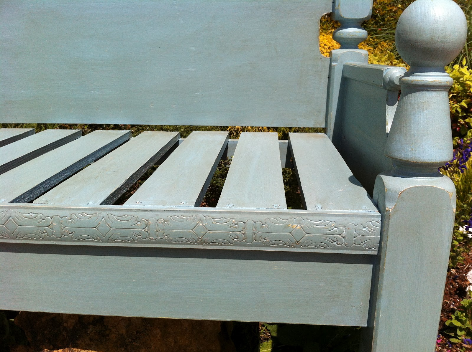 Rusted Bucket Gals Repurposed Bed Frame Becomes Bench For