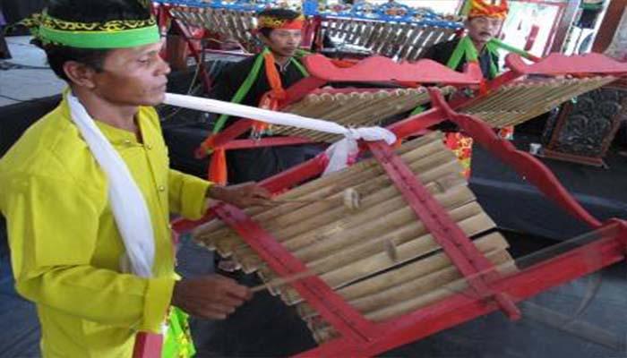 Angklung Caruk, Alat Musik Tradisional Dari Jawa Timur