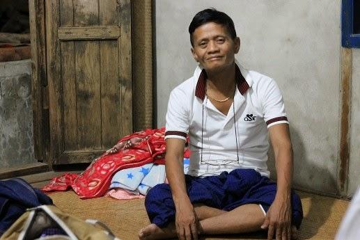 ၂၀၁၅ ရွေးကောက်ပွဲမှာ ဗေလုဝနဲ့ ဦးလှဆွေ ဘယ်သူ့ကိုမဲပေးမလဲ - The Irrawaddy's Blog