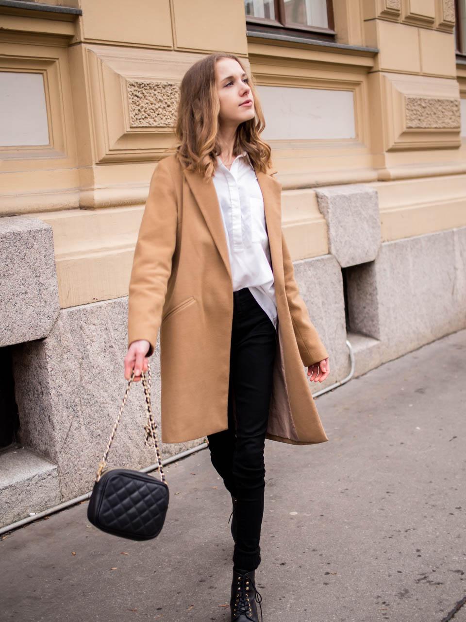 Fashion blogger outfit with white shirt and black skinny jeans - Muotibloggaaja, asuninspiraatio, valkoinen paita ja mustat farkut