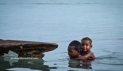 Pulau Mutus, Mengeksplor Pulau Yang Indah, Sekaligus Mengetahui Keberagaman Masyarakat Lokal