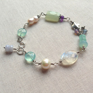 Great gemstone wire wrapped bracelet - interesting tips on what makes it wearable and pretty: Lisa Yang's Jewelry Blog