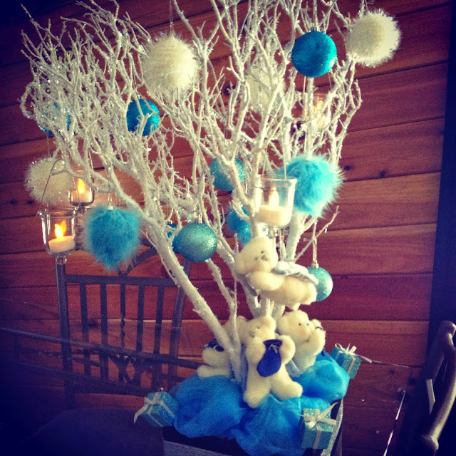 blue white christmas tree