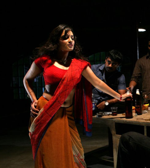 NISEWALLPAPERS: Nikhitha Hot Spicy Stills