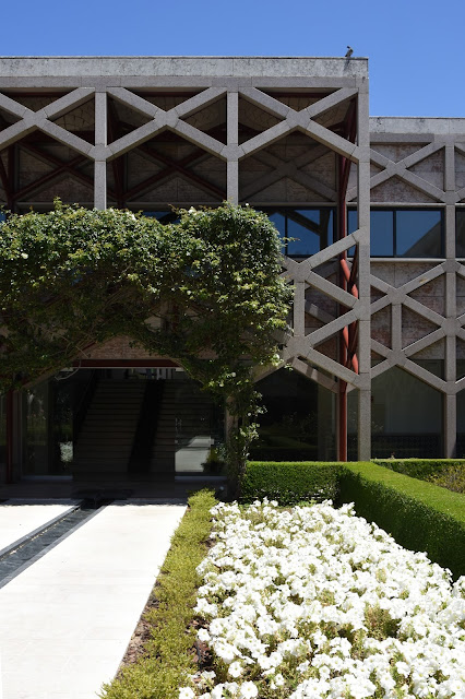 My First Visit Was To The Ismaili Center, Designed By Raj Rewal Associates  And Frederico Valssassina Architects. It Was An Amazing Experience Also For  ...