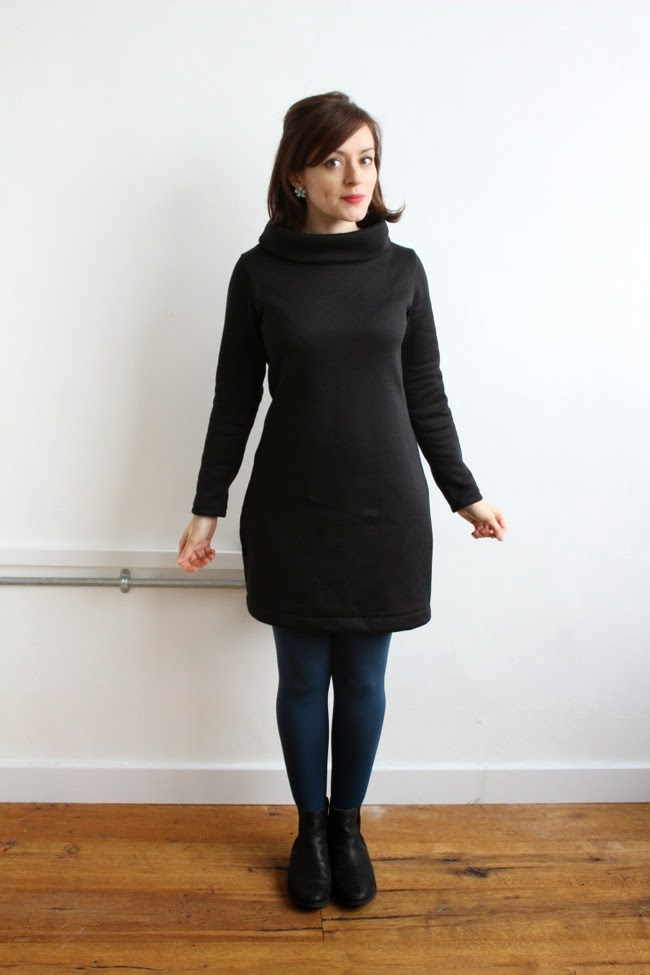 Snuggly sweatshirt Coco dress - Tilly and the Buttons sewing pattern