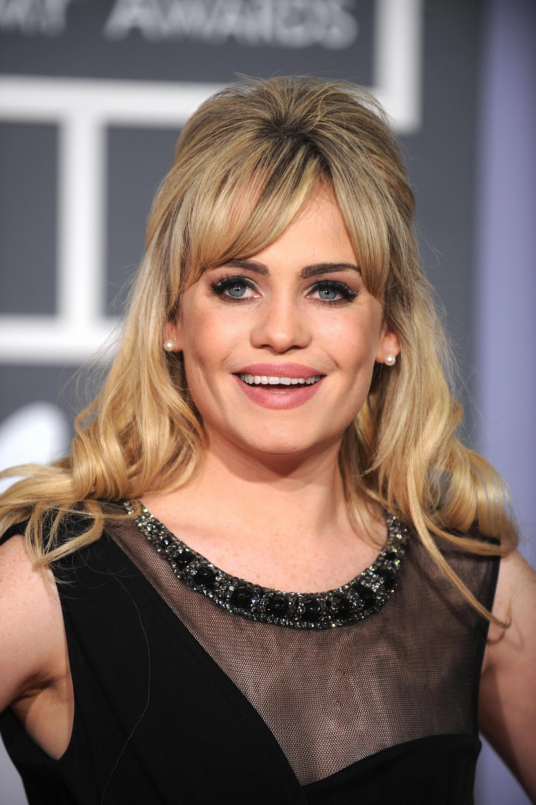Duffy Cute Hq Photos At 51st Annual Grammy Awards
