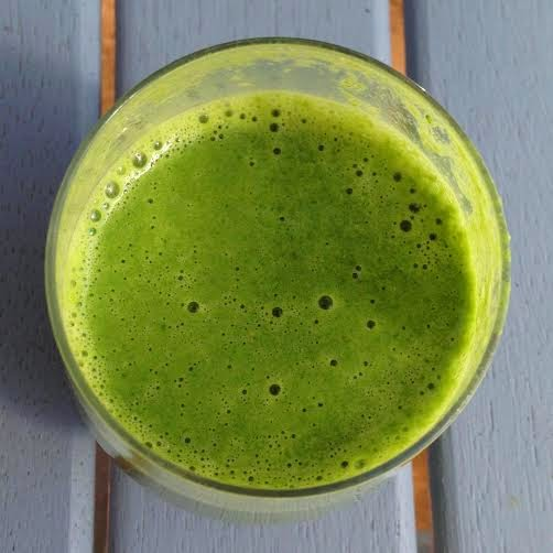 Green Smoothie Recipe with Mango