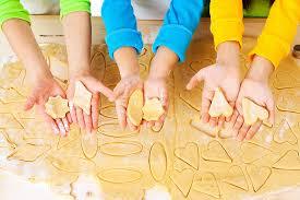 Permainan Adonan Kue dan Pin Boling Mainan