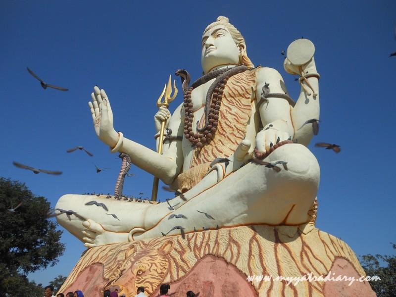 A gigantic Shiva deity of Nageshwar Jyotirling Shiva Temple, Bet Dwarka