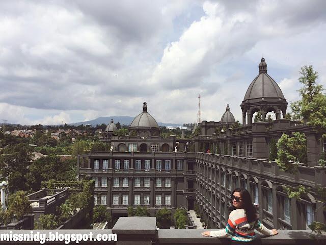 pemandangan di GH Universal Bandung