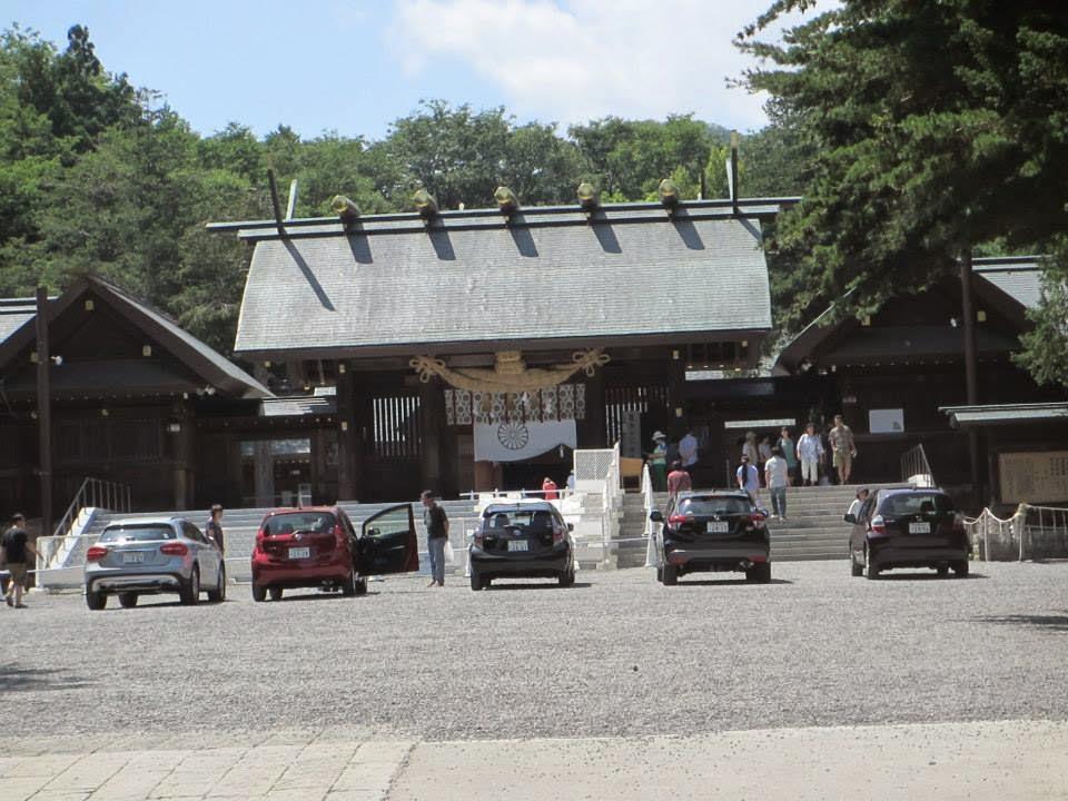 Hokkaido Jingu Shrine Car Blessing