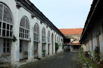 Gedung tua 1850, gedung tua pekalongan, gedung rumah residen, peristiwa 3 oktober pekalongan, sejarah Pekalongan, heritage