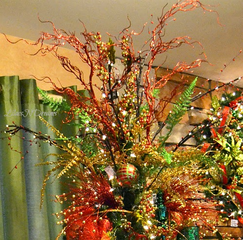 Red And Gold Christmas Trees: LilacsNDreams: Christmas Decorating Colors Themes DIY Projects