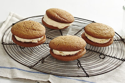 Gingerbread whoopie ice cream pies desserts recipes