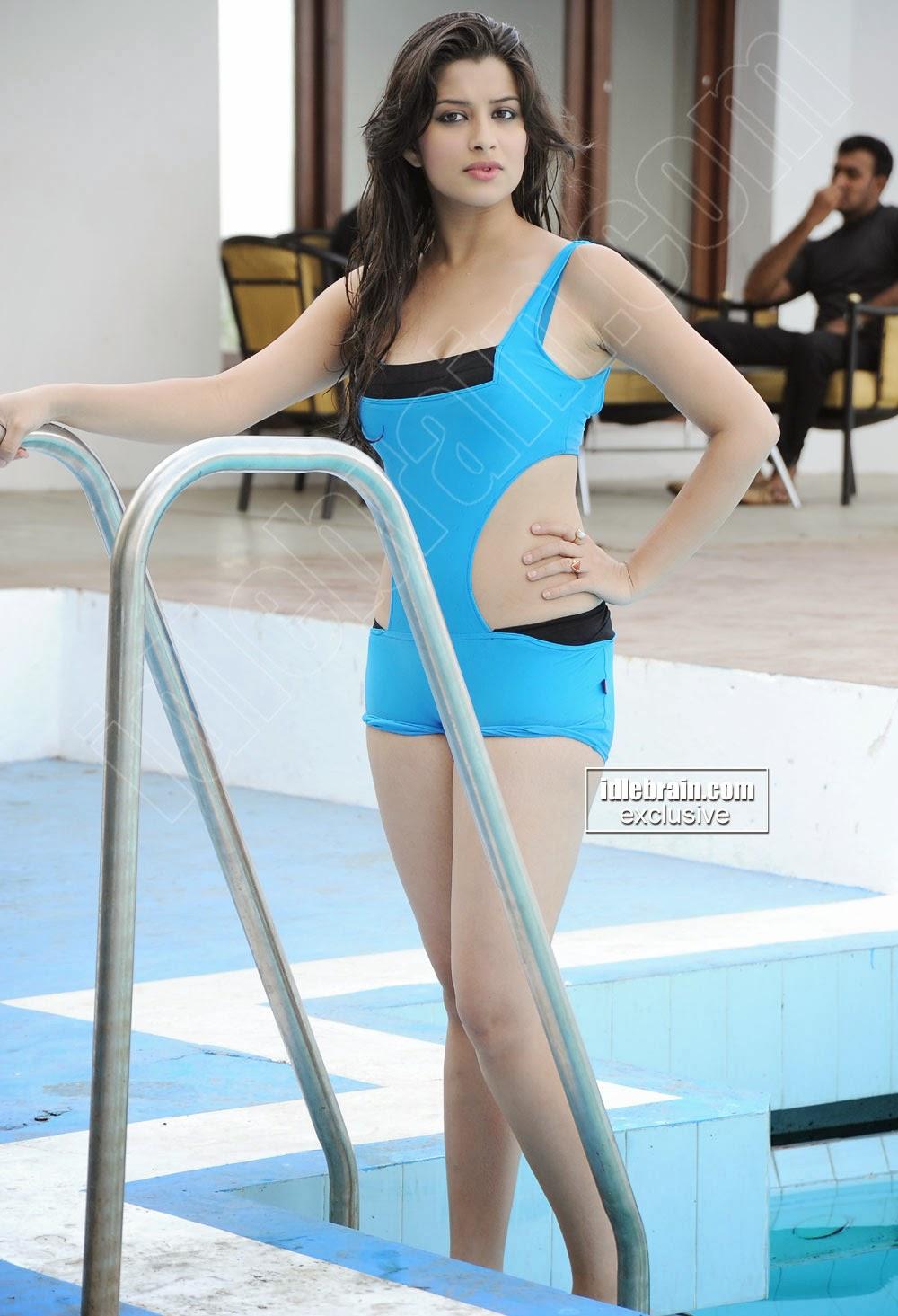 bollywood actress bikini photos gallery