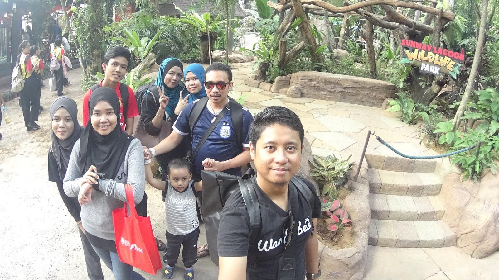 Fanaaaa Family Fun Day Sunway Lagoon Video Malaysia Et Ticket Dewasa Kuala Lumpur So Total Semua Sekali Rm700 Untuk 7 Orang Dan Seorang Kanak Berbaloi Sangat Sebab Dapat Main Tempat Dalam Tanpa