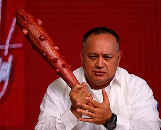"""El mensaje de Diosdado Cabello a Macri: """"Agarre su fusil y véngase para acá"""""""