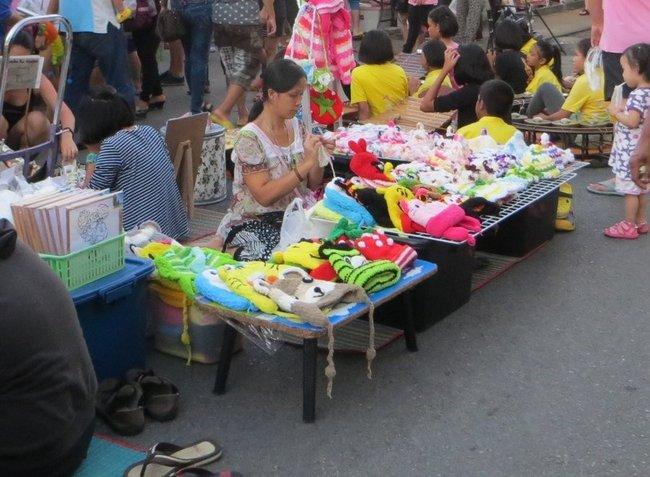 Вязанные вещи в Таиланде