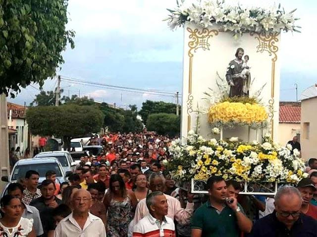 SEM CHUVA! PROCISSÃO ENCERRA FESTA DO PADROEIRO SÃO JOSÉ EM CORONEL JOÃO PESSOA