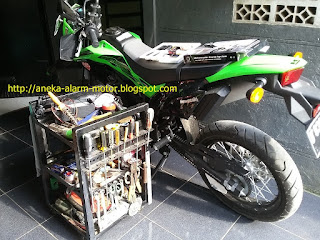 Cara pasang alarm motor pada Kawasaki D Tracker